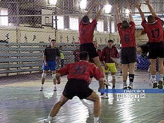 """Волейболисты """"Кристалла"""" уступили барнаульскому """"Университету"""""""