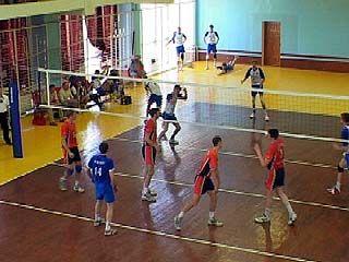 Волейболисты начали учебно-тренировочный сбор