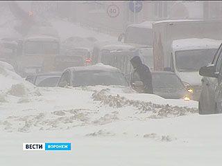 Воронеж завалило снегом. Пробки 10 баллов из 10