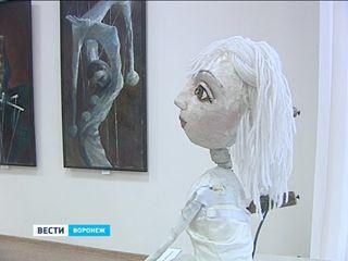 Воронежская художница рассказала о борьбе с несвободой в картинах