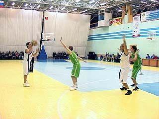 Воронежские баскетболисты встретились с командой из Липецка