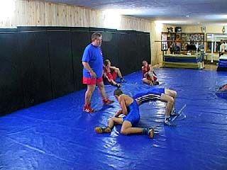 Воронежские борцы проводят активные тренировки