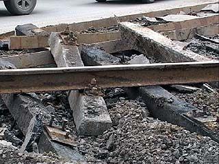 Воронежские дорожники проводят демонтаж рельсов по ночам