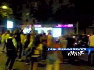 Воронежские фанаты футбола ликовали до трех часов ночи
