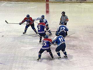 Воронежские хоккеисты проиграли тамбовским