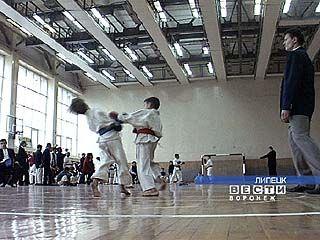 Воронежские каратисты завоевали 16 медалей на чемпионате ЦФО