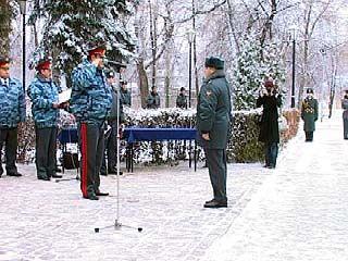 Воронежские милиционеры принимают поздравления