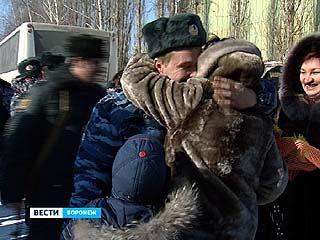 Воронежские милиционеры вернулись из командировки в Чеченскую республику