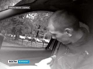 Воронежские наркополицейские передали в суд два уголовных дела против взяточников
