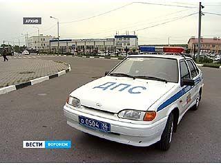 Воронежские полицейские по всему городу ловили угнанный автомобиль