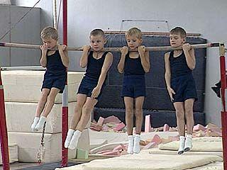 Воронежские спортсмены отметили день гимнастики