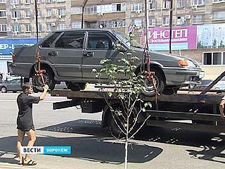 Воронежские транспортники расчищают проезд автобусам
