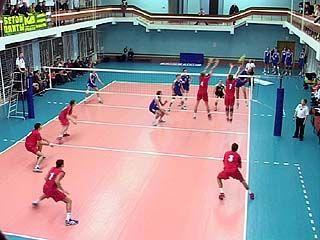Воронежские волейболисты готовятся к игре в Москве