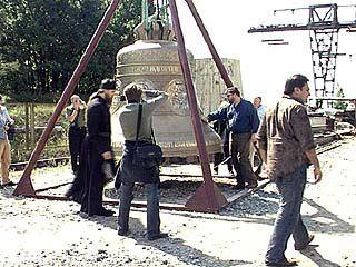 Воронежский колокол поднят на звоницу собора в Вольске