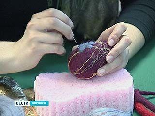 Воронежцев научили красить яйца без шелухи и краски из пакетиков