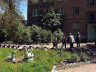 Воронежцы благоустроили площадку перед своим домом