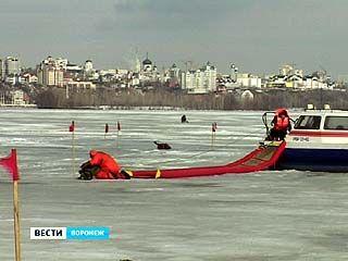 Воронежцы продолжают выходить на лёд
