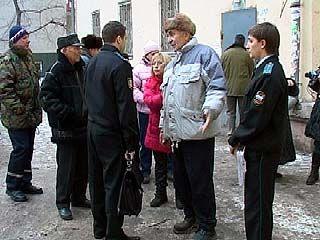 Воронежцы ведут войну с владельцами магазинов на цокольных этажах