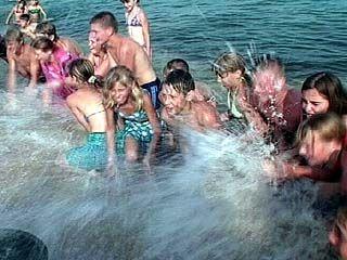 Воспитанники воронежских интернатов проводят лето на Черном море