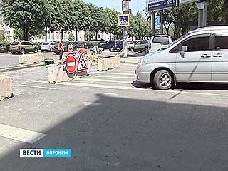 Выезд со Среднемосковской на Кольцовскую перекрыли неожиданно для водителей
