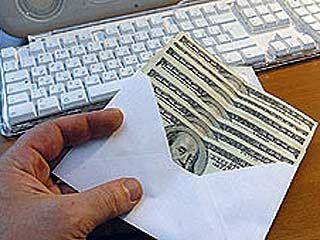 """Выгодно ли получать зарплату """"в конверте""""?"""