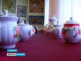 Выставка чайников открылась в Таловском историко-краеведческом музее