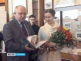 Выставка работ Елены Кокориной открылась в музее ВГТА