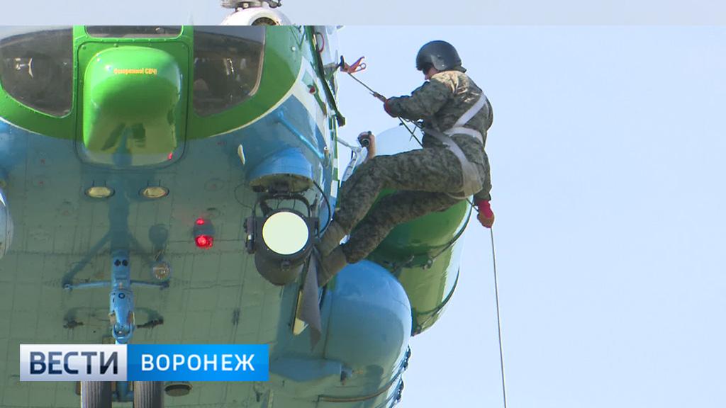 Воронежские таможенники оттачивают навыки беспилотного десантирования
