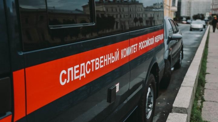СК: Глава района под Воронежем заблокировал бетоном павильон бизнесмена и требовал денег