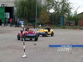 Юношеская автошкола открыта в Павловске