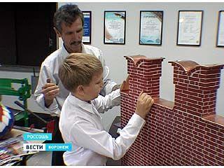 Юные кровельщики из Россоши принимают участие в международной выставке