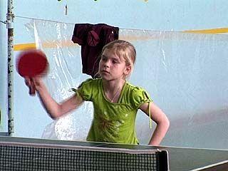 Юные спортсмены соревновались в новогоднем чемпионате по теннису