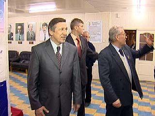 Юрий Авдеев посетил Воронежский музей спорта