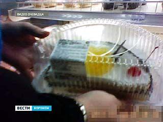 """За продажу испорченного торта супермаркет """"Линия"""" заплатит 25 тысяч рублей"""