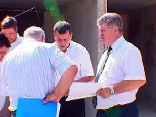 Заместитель губернатора Александр Цапин рабочий день провел в парке
