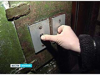 Жильцы многоэтажек теперь будут оплачивать страхование лифта