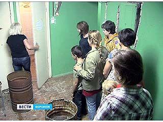 Жильцы общежития несколько месяцев ждут завершения ремонта в душевых и туалетах