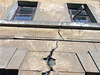 Жильцы отказываются переезжать из аварийных и уже небезопасных домов