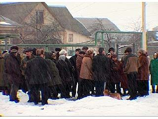 Жители 2-х улиц микрорайона 1-ое Мая вышли на сход