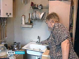 Жители дома на проспекте Труда уже почти месяц остаются без воды