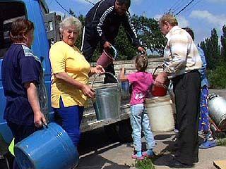 Жители микрорайона Никольский уже два месяца остаются без воды
