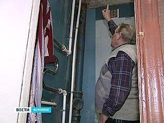 Жители одной из воронежских многоэтажек почти месяц оставались без горячей воды