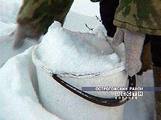 Жители Рыбного топят снег чтобы попить и помыться