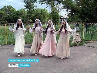 Жители села Старая Криуша Петропавловского района изучают восточные танцы