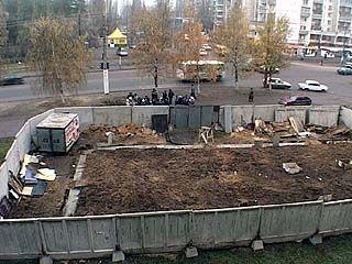 Жители ул. Южно-Моравская столкнулись со строительным беспределом
