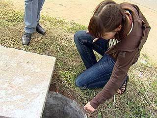 Жительница Воронежа провалилась в открытый канализационный люк