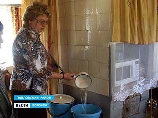 Жителям нескольких улиц в Лосево не хватает воды