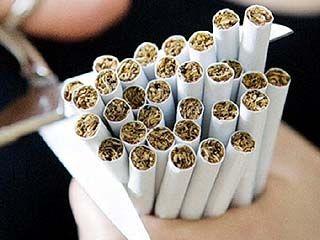 Зловещие надписи на сигаретных пачках школьников не пугают