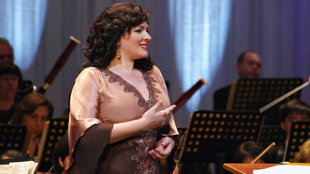 10 мая 1967 года родилась оперная певица Ирина Макарова