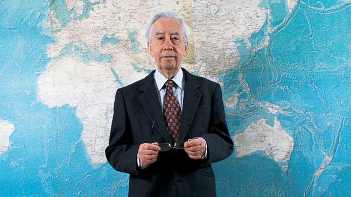 7 февраля 1926 года. Родился лётчик-космонавт СССР Константин Феоктистов